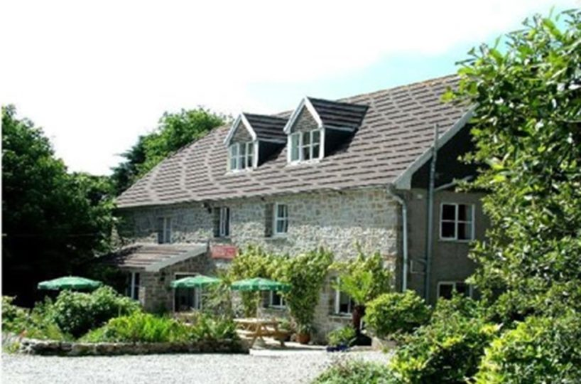 Freehold Licensed 6 Bedroom Hotel & Inn Located Near St Ives