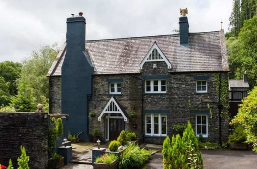 Four Bedroom Guest House Located In Corris