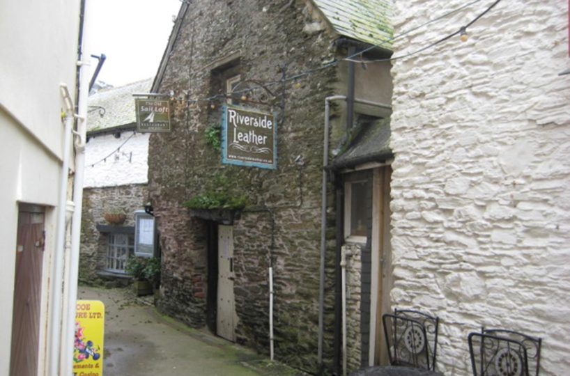 Leasehold Retail Unit Located In Looe