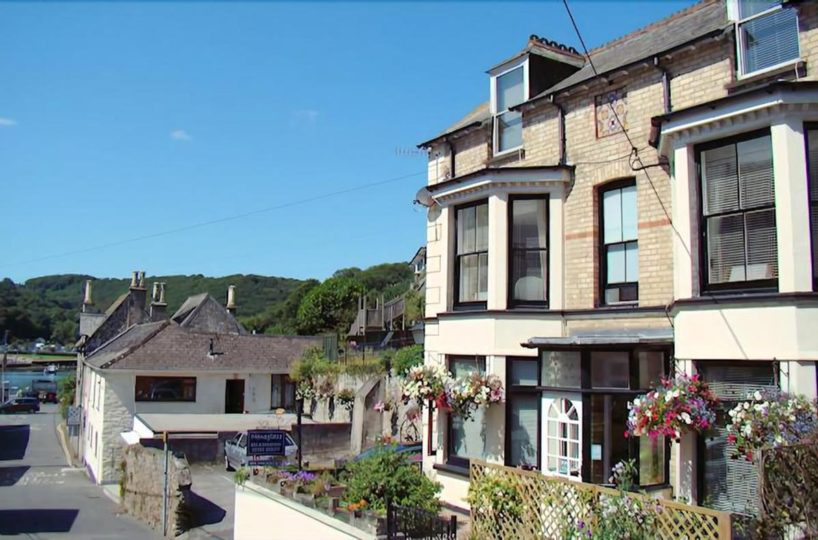 Freehold 4 Bedroom Bed & Breakfast Located In East Looe, Cornwall
