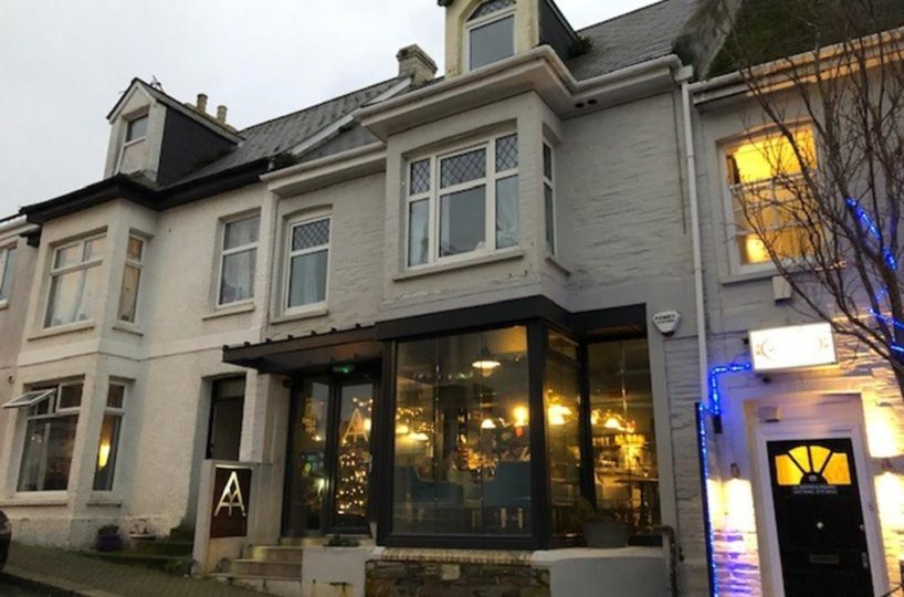Freehold Wine Bar & Coffee House with 3 Boutique Letting Rooms Located In Newquay