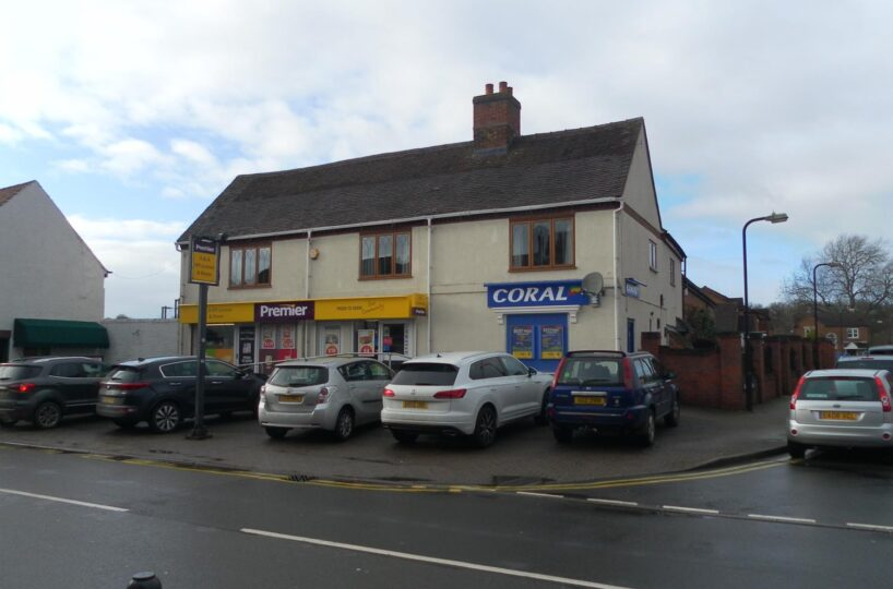 Freehold Convenience Store & Off-License Located In Polesworth