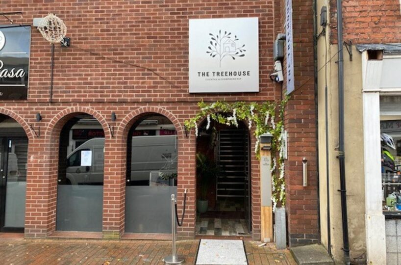 Leasehold Cocktail/Champagne Bar & Tapas Restaurant Located In Stafford