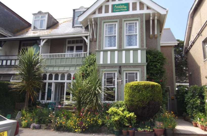 Freehold 6 En-Suite Bedroom Guest House In Newquay