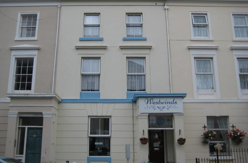 9 Bedroom Guest House In The Plymouth Hoe Area